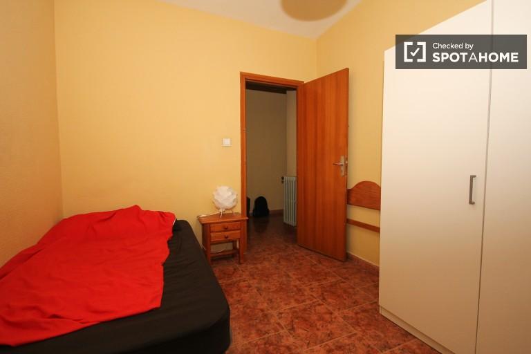 Room 1 - single bed