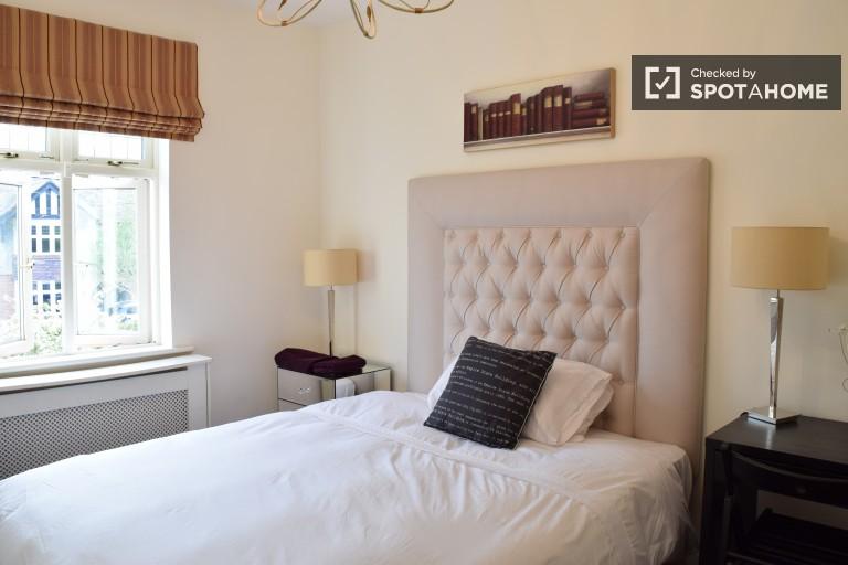 Helles Zimmer in einer Wohngemeinschaft in Terenure, Dublin