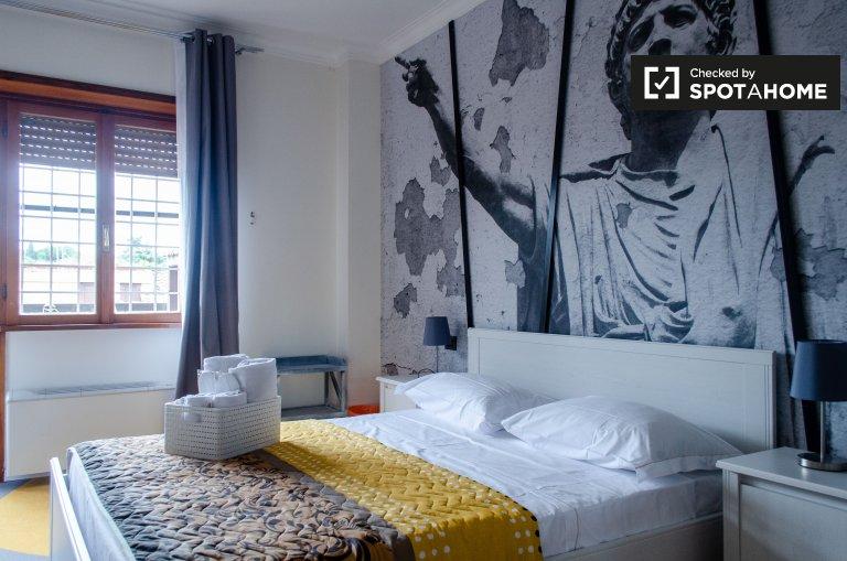 Pokój do wynajęcia w czystym 4-pokojowym mieszkaniu w Municipio XII