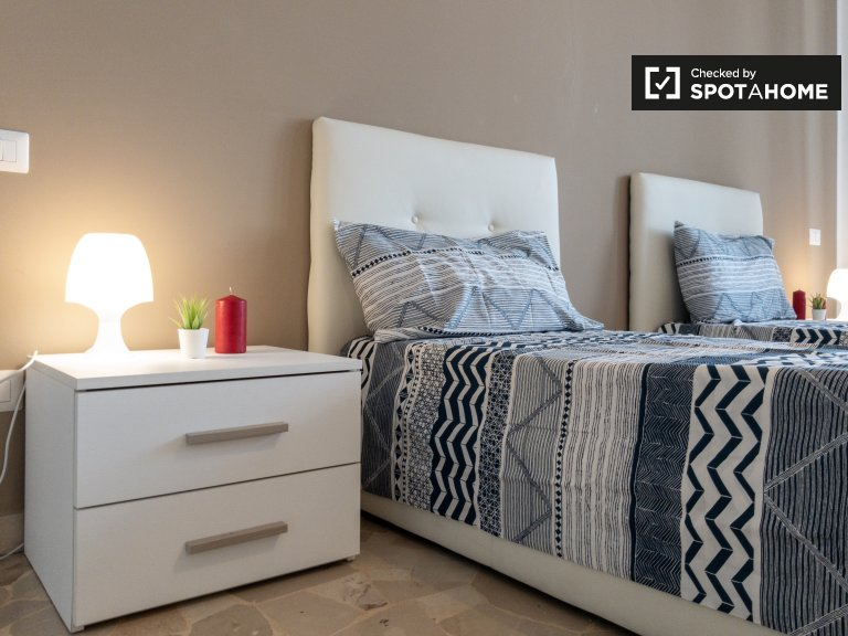 Moderna habitación en alquiler en apartamento de 2 dormitorios en San Siro