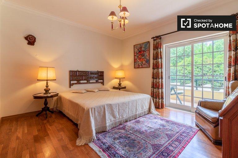 Quarto para alugar em casa em Oeiras, Lisboa