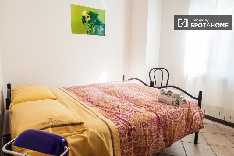 Umeblowany pokój w 4-pokojowym apartamencie w Rzymie