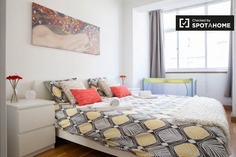 Quarto para alugar em apartamento de 2 quartos na Ajuda, Lisboa
