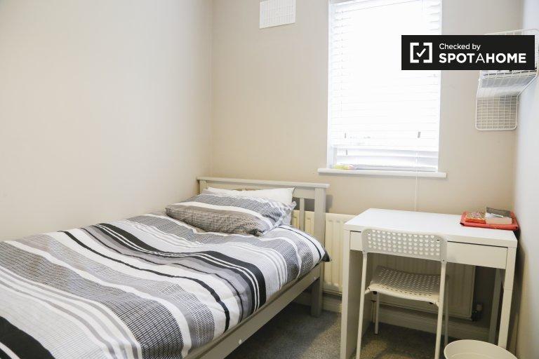 Zimmer zur Miete in einem 4-Zimmer-Haus in Stoneybatter, Dublin