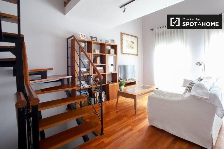 Apartamento de 3 dormitorios en alquiler en Ciutat Vella, Valencia