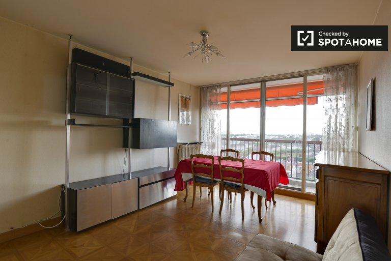 Appartement spacieux de 2 chambres à louer à Villejuif, Paris