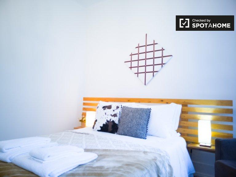 Chambre à louer dans un appartement de 4 chambres à Santo Antonio