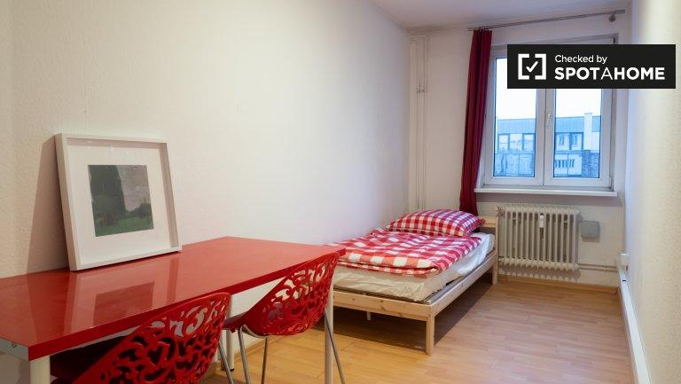 Camas para alugar em quarto compartilhado, apartamento de 6 quartos, Mitte