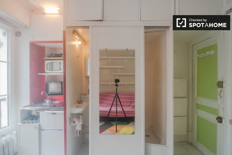 Wonderful studio apartment for rent near the Royal Palace in 1st arrondissement