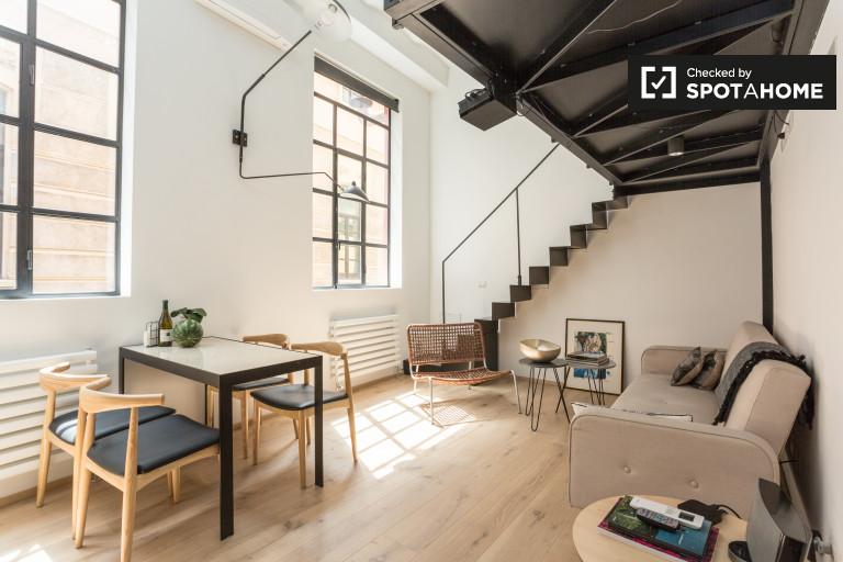 Garibaldi'de kiralık asma katlı stüdyo daire, Milano