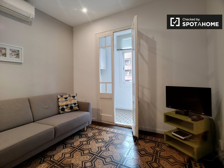 Spacious 3-bedroom apartment for rent in Eixample Dreta