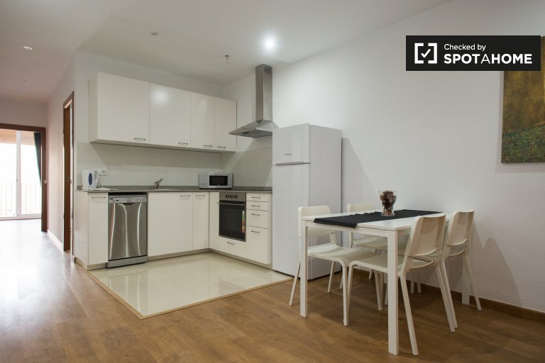 Gorgeous 4-bedroom apartment for rent in Raval