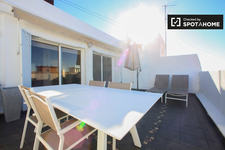 Super studio apartment for rent in Ciutat Vella, Valencia