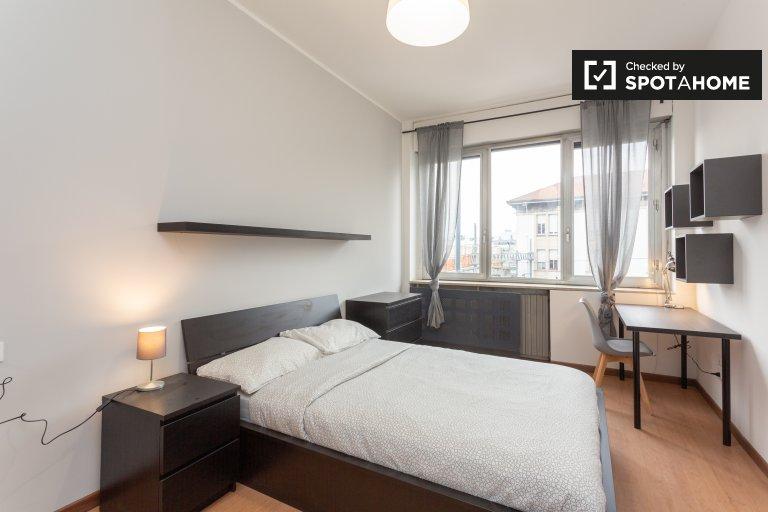Furnished room in 12-bedroom apartment, Villa San Giovanni