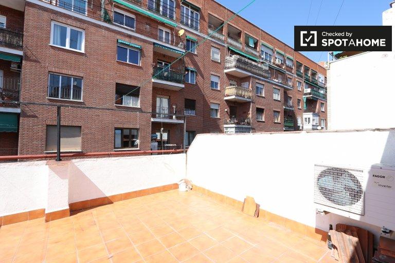 Przytulny apartament z 1 sypialnią do wynajęcia w Imperial, Madryt