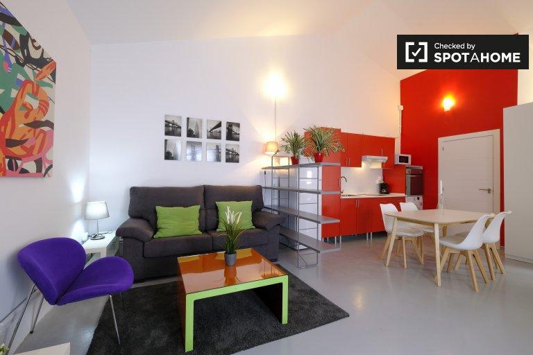 Estudio en alquiler en Quintana, Madrid.