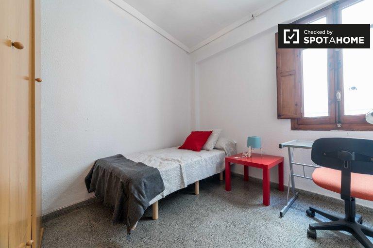 Stanza in affitto in appartamento con 4 camere da letto a La Saïdia, Valencia