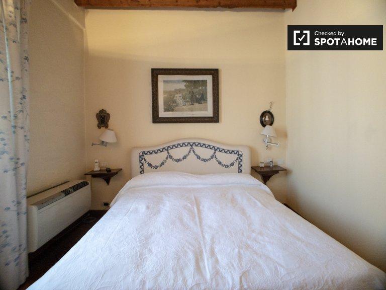Stanza in affitto in appartamento con 1 camera da letto a Navigli, Milano