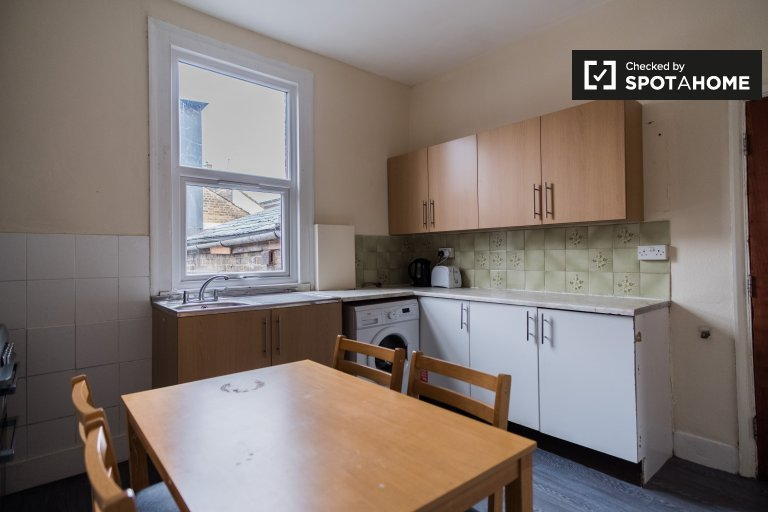 4 bedroom house for rent in Tower Hamlets, London
