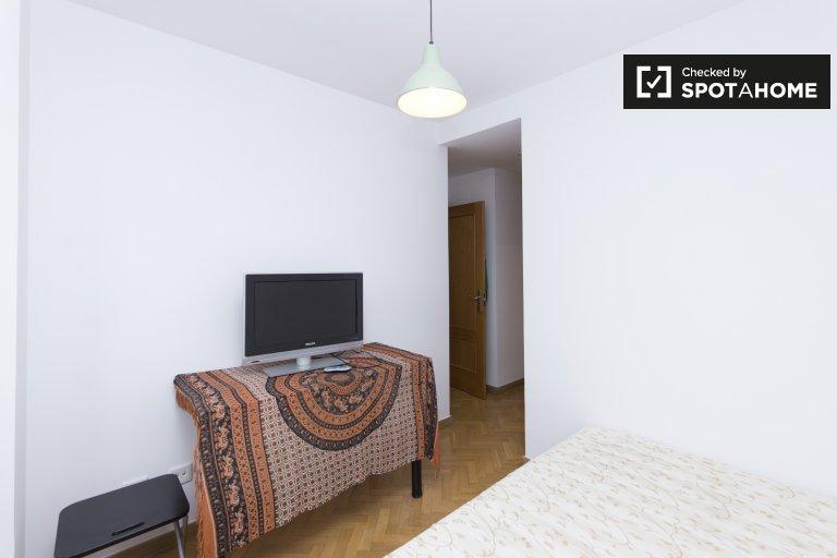 Gemütliches Zimmer in einer 2-Zimmer-Wohnung in Legazpi, Madrid