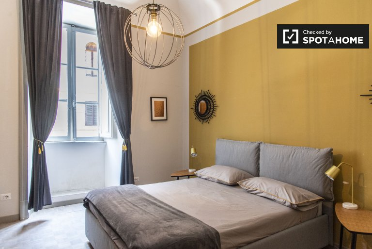 Salario, Rome'da 4 yatak odalı dairede kiralık oda