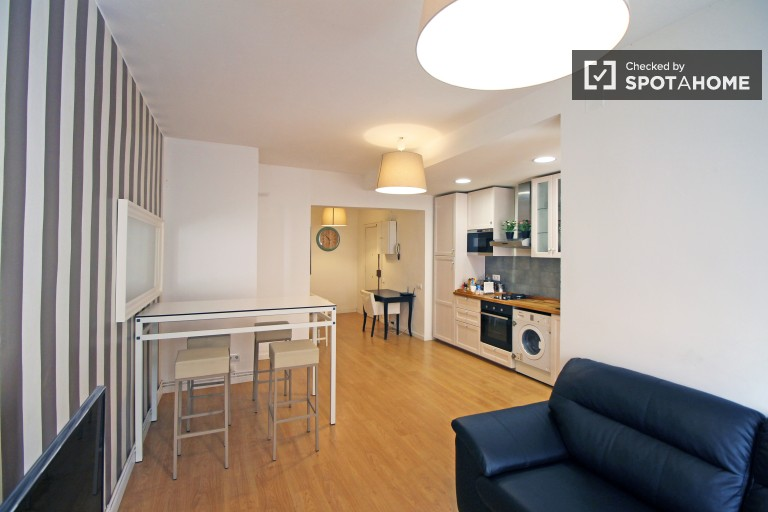 3-bedroom apartment  for rent in El Raval,Barcelona