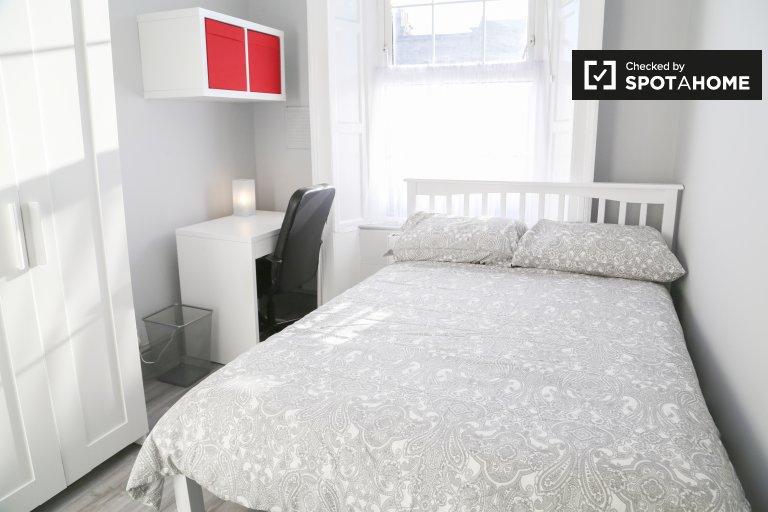 Gemütliches Zimmer in einem Haus mit 5 Schlafzimmern in Stoneybatter, Dublin
