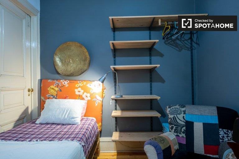 Zimmer zu vermieten in 6-Zimmer-Wohnung in Estrela, Lissabon