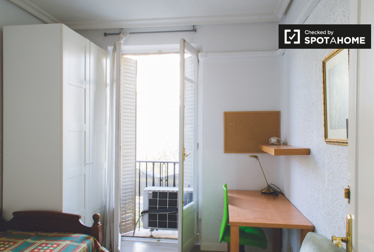 Bedroom 5 - Single bed