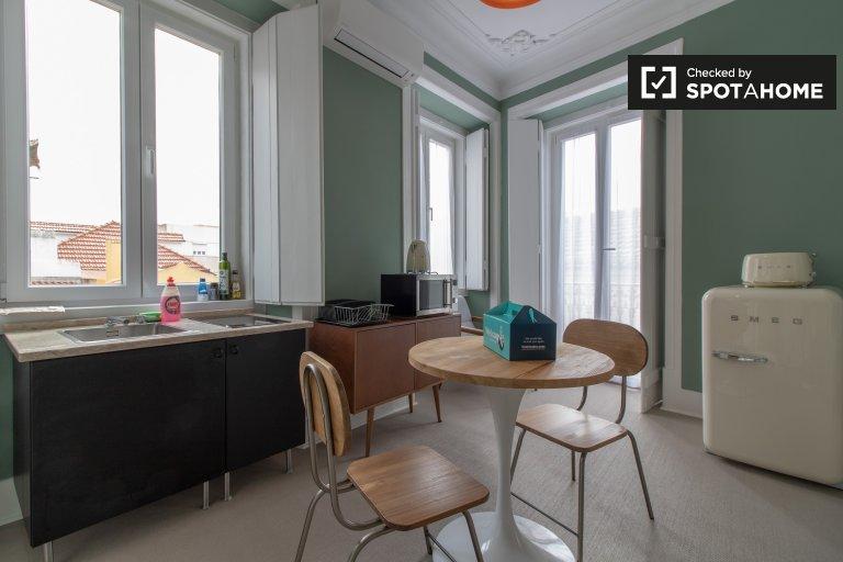 Acolhedor apartamento de 1 quarto para alugar em Arroios, Lisboa