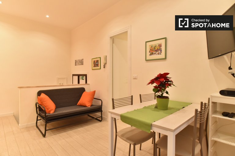 Colorful 2-bedroom apartment for rent in Ostiense, Rome
