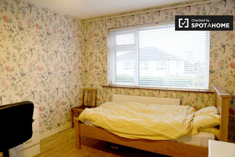 Quarto acolhedor em apartamento compartilhado em Templeouge, Dublin