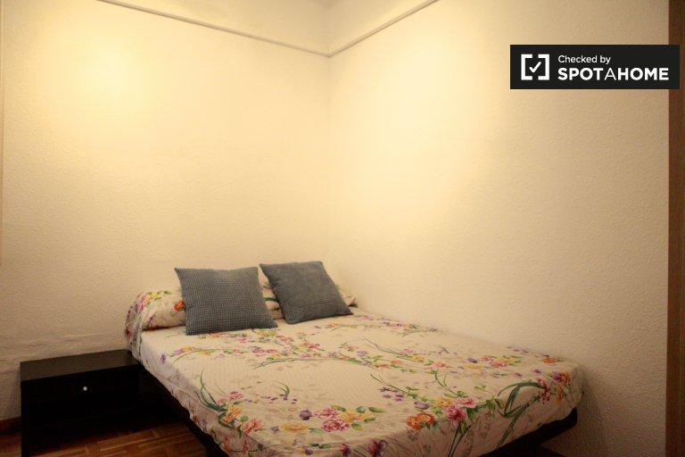 Share a 5-bedroom apartment, Sarrià-Sant Gervasi, Barcelona