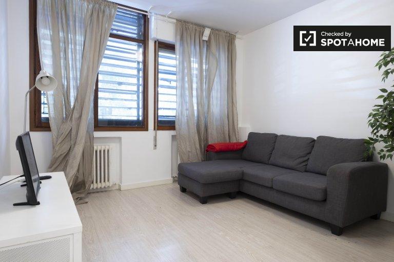 5-pokojowe mieszkanie do wynajęcia w Moncloa, Madryt
