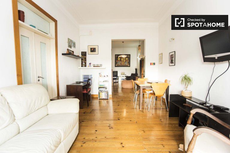 Apartamento de 2 quartos ensolarado para alugar em Alcântara, Lisboa.