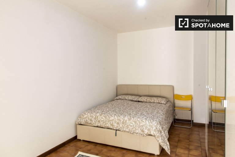 Quarto para alugar em apartamento de 2 quartos em Cinecitta, Roma