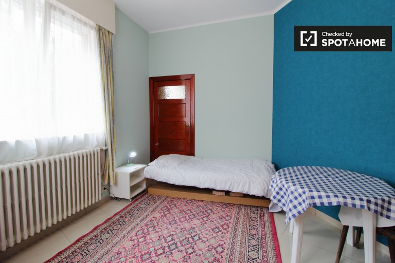 Colorful room for rent in Evere, Brussels