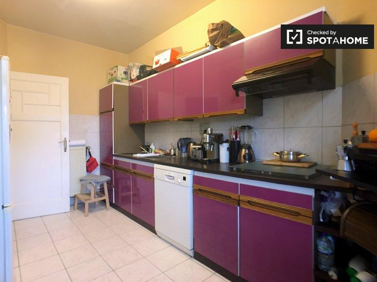Se alquila habitación en un moderno apartamento en Koekelberg, Bruselas