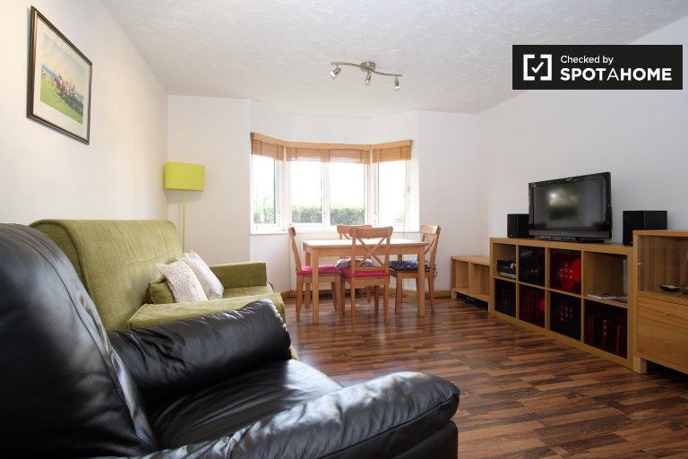 Modern 2 -bedroom apartment to rent in Bermondsey, London