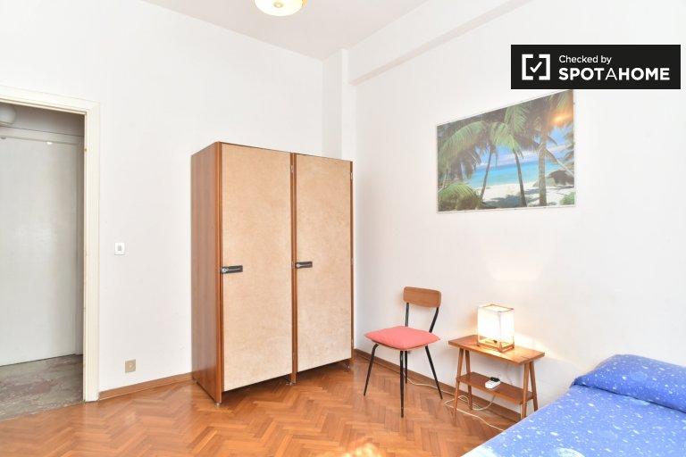 Pokój jednoosobowy w apartamencie z 4 sypialniami w Roma 70, Rzym
