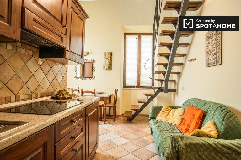Bel appartement 1 chambre à louer à Vermicino, Rome