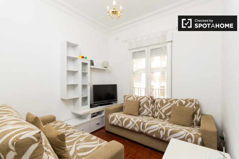 Cozy 3-bedroom apartment with AC for rent in Retiro