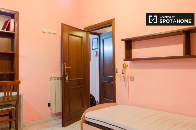 Chambre individuelle dans un appartement à Tor Vergata, Rome
