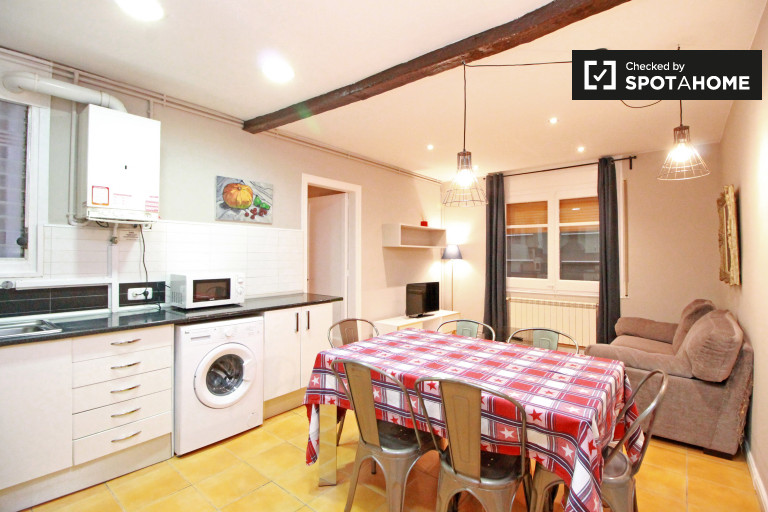 Attractive 4-bedroom apartment for rent in Horta Guinardo