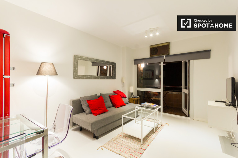 Stylish 1-bedroom apartment with balcony for rent in Chamartín in Madrid