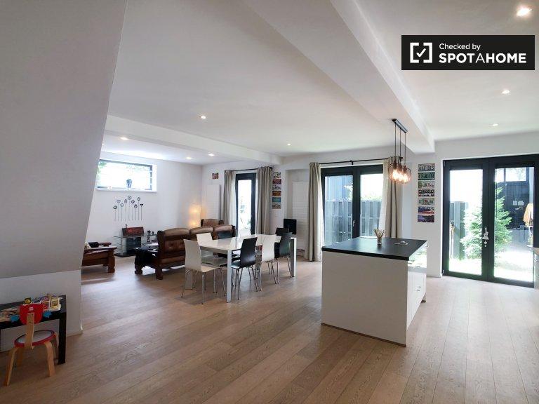 Brüksel'de kiralık 3 yatak odalı dubleks daire
