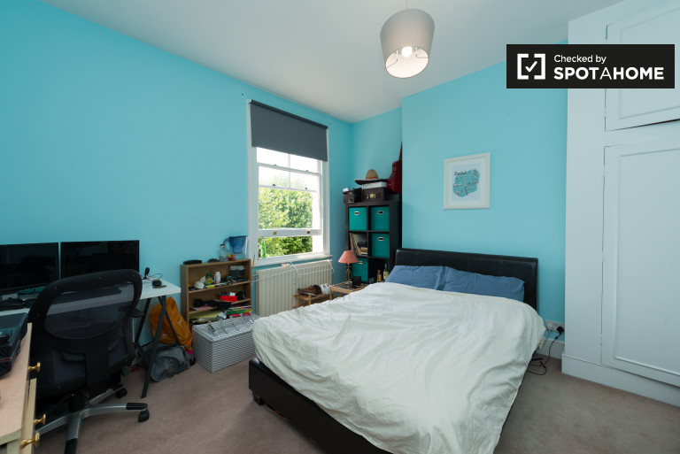 Double Bed in gorgeous rooms to rent with all bills included in Wandsworth