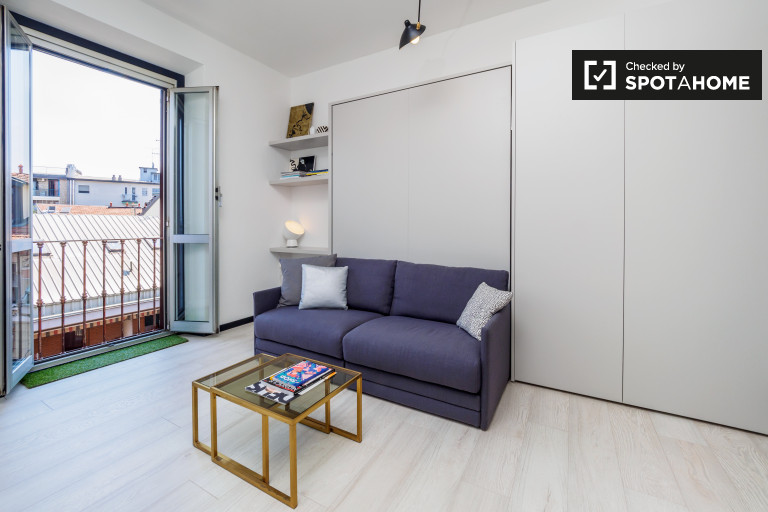 Contemporary 1-bedroom apartment for rent in Isola, Milan