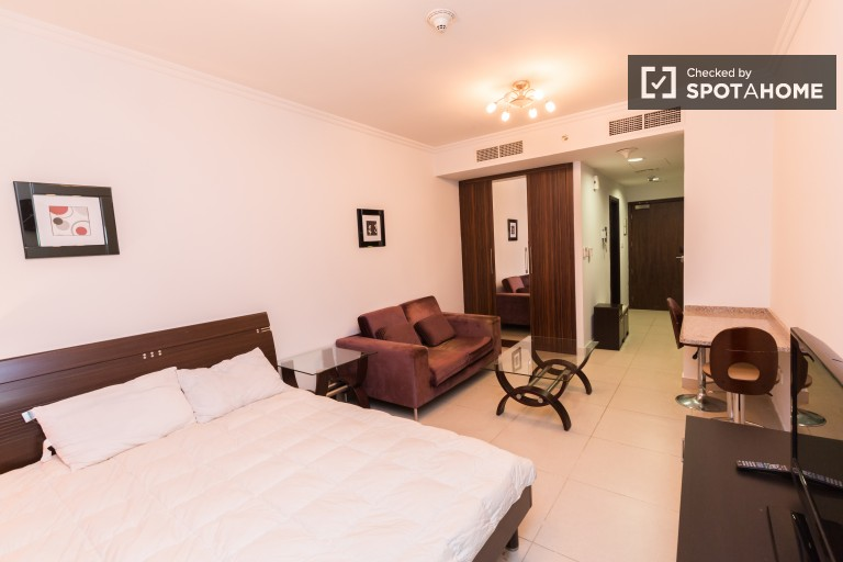 Cozy studio apartment for rent with AC and amazing views of Dubai