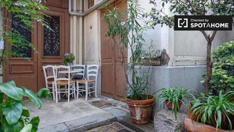 Renovated studio apartment for rent in République, Paris 10